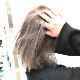 アッシュ ボブ ハイトーン ダブルカラー ヘアスタイルや髪型の写真・画像