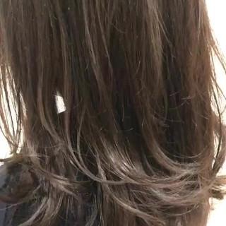 透明感 ナチュラル デート ミディアム ヘアスタイルや髪型の写真・画像 ヘアスタイルや髪型の写真・画像