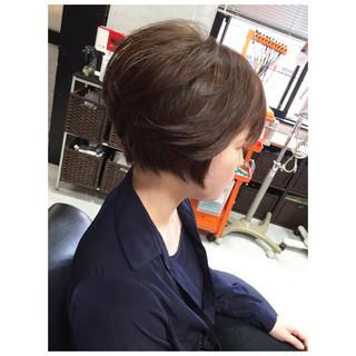 レイヤーカット ショート ナチュラル 前髪あり ヘアスタイルや髪型の写真・画像 ヘアスタイルや髪型の写真・画像