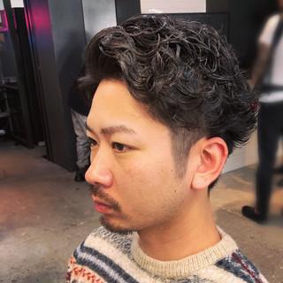 メンズパーマ メンズヘア ショート モード ヘアスタイルや髪型の写真・画像
