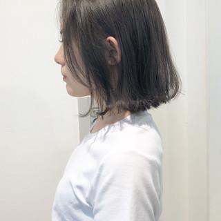 透明感 切りっぱなしボブ ナチュラル グレージュ ヘアスタイルや髪型の写真・画像