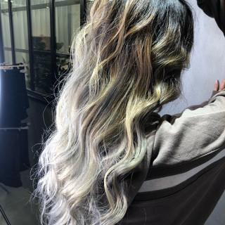 ウェーブ 簡単ヘアアレンジ 外国人風 ストリート ヘアスタイルや髪型の写真・画像