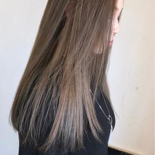 アンニュイ ストリート アッシュグレージュ ゆるふわ ヘアスタイルや髪型の写真・画像 ヘアスタイルや髪型の写真・画像