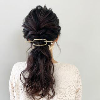 巻き髪 アンニュイほつれヘア ヘアアレンジ 簡単ヘアアレンジ ヘアスタイルや髪型の写真・画像