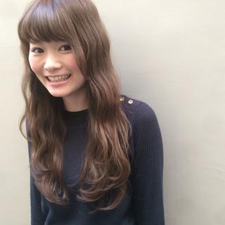 外国人風 ガーリー ロング イルミナカラー ヘアスタイルや髪型の写真・画像 ヘアスタイルや髪型の写真・画像