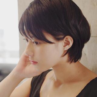 大人女子 小顔 オフィス 外国人風 ヘアスタイルや髪型の写真・画像
