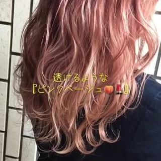 ハイライト ピンクアッシュ フェミニン ピンク ヘアスタイルや髪型の写真・画像