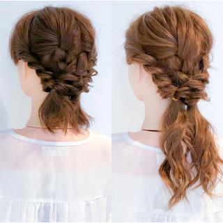 ロング 簡単ヘアアレンジ エレガント 大人女子 ヘアスタイルや髪型の写真・画像 ヘアスタイルや髪型の写真・画像