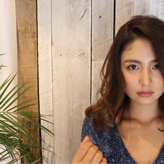 外国人風 グラデーションカラー フェミニン ヘアアレンジ ヘアスタイルや髪型の写真・画像