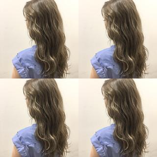 波ウェーブ ロング 外国人風 ブラウン ヘアスタイルや髪型の写真・画像
