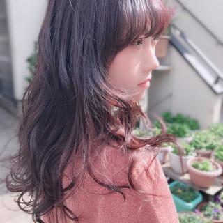 レッド ナチュラル ピンク バイヤレージュ ヘアスタイルや髪型の写真・画像 ヘアスタイルや髪型の写真・画像