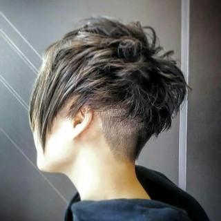 ショート 外国人風 モード ブリーチ ヘアスタイルや髪型の写真・画像
