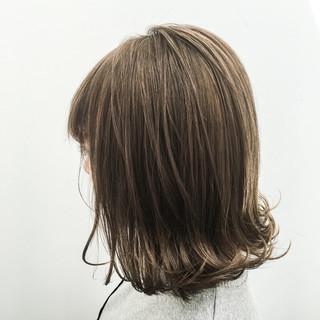 アッシュ 外国人風 切りっぱなし ストリート ヘアスタイルや髪型の写真・画像 ヘアスタイルや髪型の写真・画像