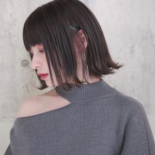 ショートボブ 切りっぱなしボブ 黒髪 ナチュラル ヘアスタイルや髪型の写真・画像