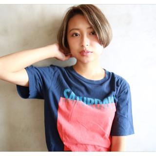 ストリート ショート 前髪あり ベージュ ヘアスタイルや髪型の写真・画像