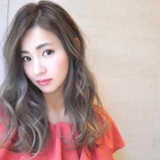 外国人風カラー エレガント 透明感 グラデーションカラー ヘアスタイルや髪型の写真・画像 ヘアスタイルや髪型の写真・画像