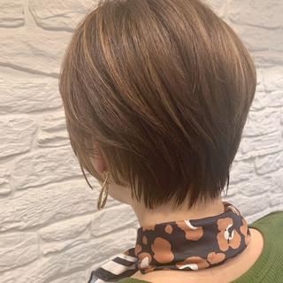 ショートヘア ハイライト ショート エレガント ヘアスタイルや髪型の写真・画像