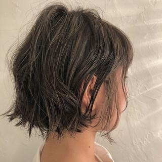 ナチュラル ハイライト ラフ ボブ ヘアスタイルや髪型の写真・画像