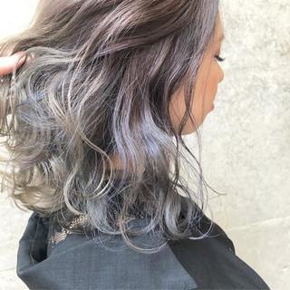 グレージュ ミディアム ダブルカラー 外国人風カラー ヘアスタイルや髪型の写真・画像
