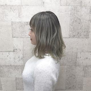 ブリーチ ダブルカラー エレガント ハイトーン ヘアスタイルや髪型の写真・画像
