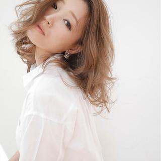 グラデーションカラー フェミニン ハイライト セミロング ヘアスタイルや髪型の写真・画像