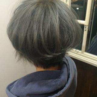 ダブルカラー アッシュ ボブ グレージュ ヘアスタイルや髪型の写真・画像 ヘアスタイルや髪型の写真・画像