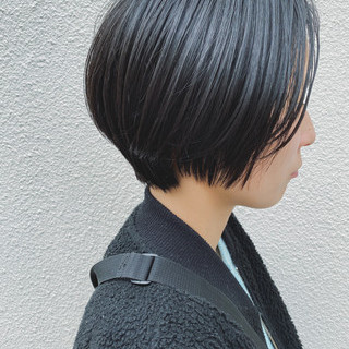 ショートヘア ナチュラル ミニボブ 黒髪 ヘアスタイルや髪型の写真・画像