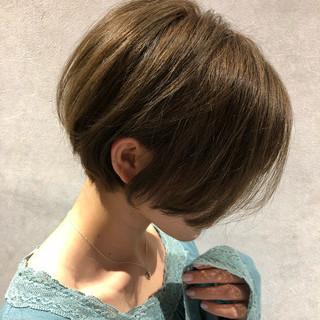 抜け感 ショートボブ ボブ グレージュ ヘアスタイルや髪型の写真・画像 ヘアスタイルや髪型の写真・画像