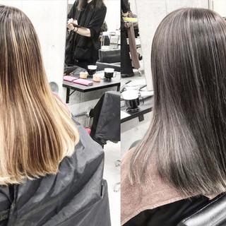 フェミニン エアータッチ ホワイトベージュ セミロング ヘアスタイルや髪型の写真・画像