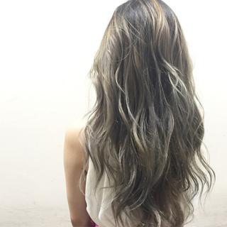 グラデーションカラー ガーリー ハイライト 外国人風 ヘアスタイルや髪型の写真・画像