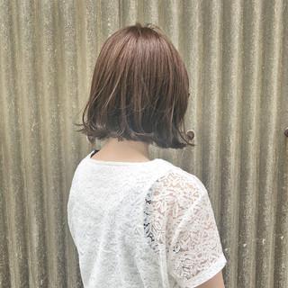 フェミニン ベージュ 色気 ボブ ヘアスタイルや髪型の写真・画像
