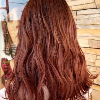 ロング ガーリー 秋冬スタイル ブリーチ ヘアスタイルや髪型の写真・画像