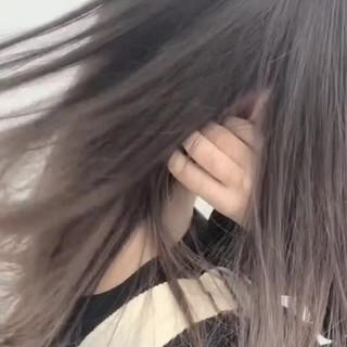 ミルクティーベージュ 透明感 バレイヤージュ 外国人風 ヘアスタイルや髪型の写真・画像