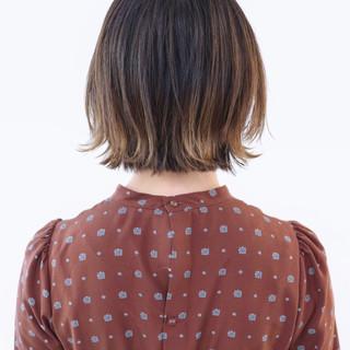 アンニュイほつれヘア バレイヤージュ ストリート グラデーションカラー ヘアスタイルや髪型の写真・画像 ヘアスタイルや髪型の写真・画像