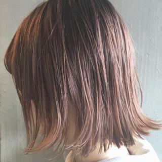外ハネ ガーリー 切りっぱなし ニュアンス ヘアスタイルや髪型の写真・画像