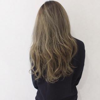 パーマ ハイライト アッシュ ロング ヘアスタイルや髪型の写真・画像