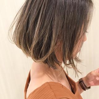 ハイライト デート まとまるボブ ナチュラル ヘアスタイルや髪型の写真・画像