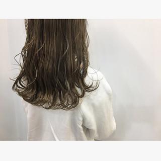 セミロング 大人かわいい デート 大人可愛い ヘアスタイルや髪型の写真・画像 ヘアスタイルや髪型の写真・画像