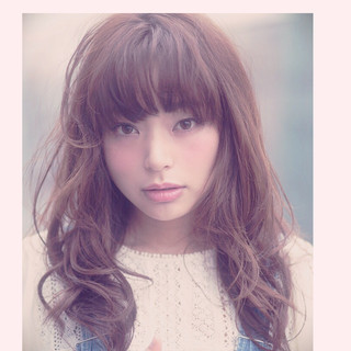 アッシュ 大人かわいい 前髪あり ロング ヘアスタイルや髪型の写真・画像