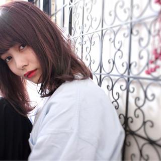 ダブルカラー 透明感 ウェーブ 外国人風 ヘアスタイルや髪型の写真・画像
