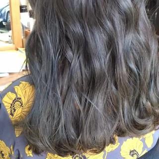 セミロング ヘアカラー ヘアアレンジ アンニュイほつれヘア ヘアスタイルや髪型の写真・画像