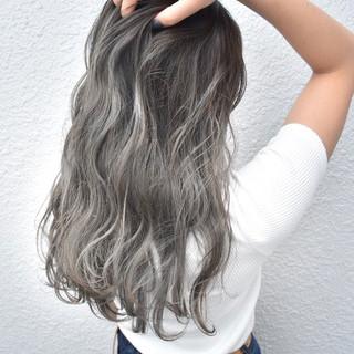外国人風 グラデーションカラー ロング ホワイト ヘアスタイルや髪型の写真・画像