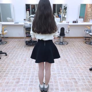 外国人風 ガーリー ナチュラル 波ウェーブ ヘアスタイルや髪型の写真・画像