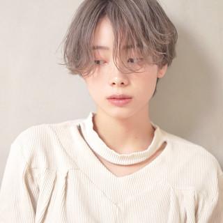 ショートヘア 透明感カラー グレージュ ハンサムショート ヘアスタイルや髪型の写真・画像