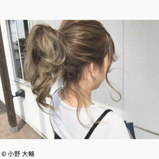 ハイライト ミディアム グラデーションカラー ナチュラル ヘアスタイルや髪型の写真・画像