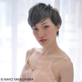 外国人風 フェミニン こなれ感 アッシュ ヘアスタイルや髪型の写真・画像