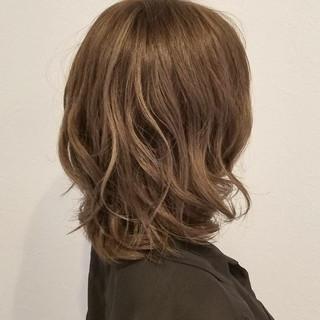 アッシュ 秋 大人かわいい リラックス ヘアスタイルや髪型の写真・画像