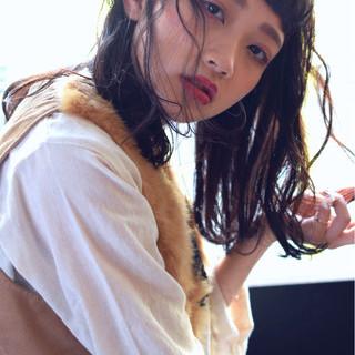 ガーリー セミロング ベビーバング ニュアンス ヘアスタイルや髪型の写真・画像