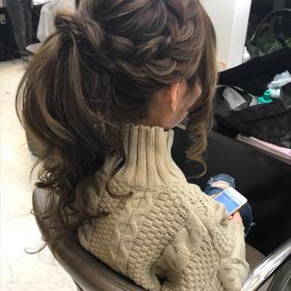 ガーリー 簡単ヘアアレンジ ヘアアレンジ セミロング ヘアスタイルや髪型の写真・画像