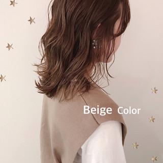 ミディアム ストリート ベージュ ゆるナチュラル ヘアスタイルや髪型の写真・画像